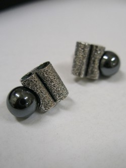 EARRINGS WITH HEMATITE...