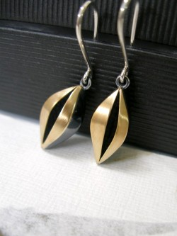 """BIGSEED"" EARRINGS"